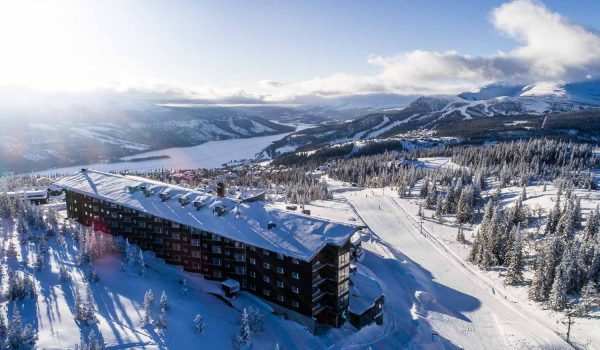 winter-hotel-view-vallet-skutan-copperhill-mountain-lodge